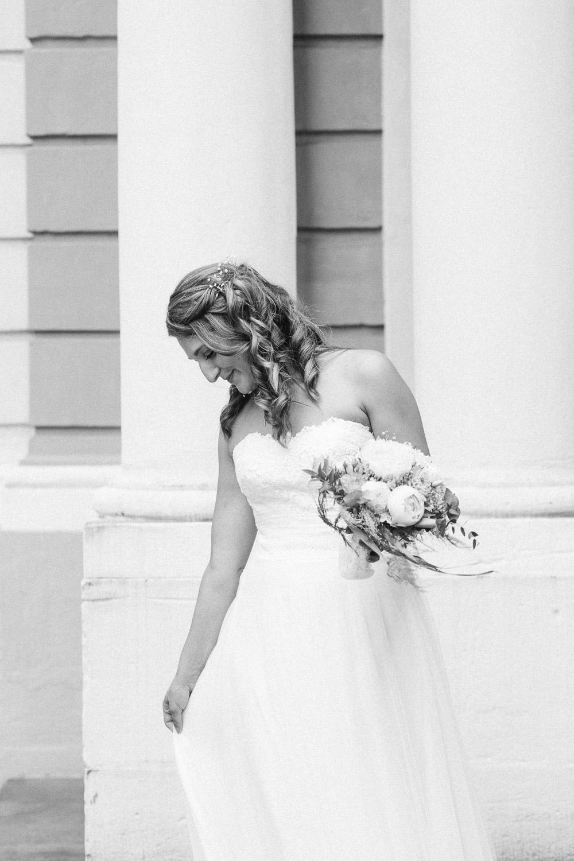 Schwarz-Weiß Portrait einer Braut