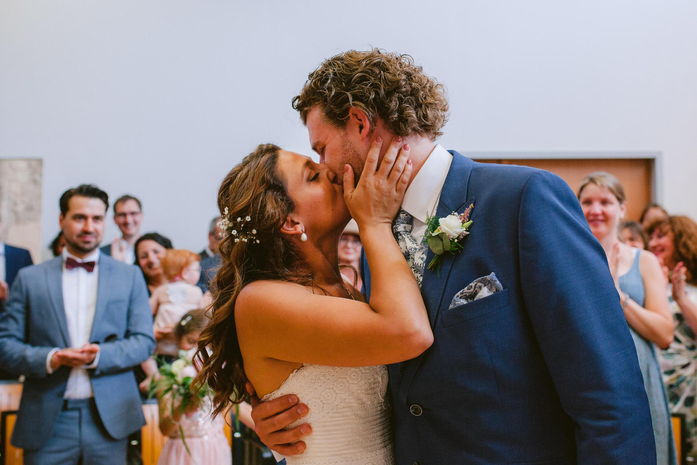 Sie dürfen die Braut nun küssen